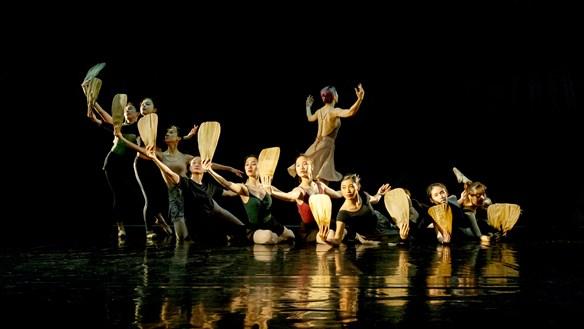 Biên đạo Tuyết Minh 'vật lộn' với múa