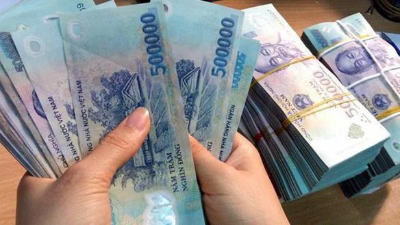 Khống chế tiền mệnh giá 500.000 đồng ra thị trường