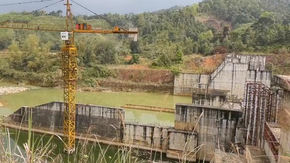 Dự án Thủy điện 300 tỷ đồng thi công dang dở rồi 'đắp chiếu'