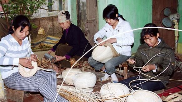 Nâng tầm hàng Việt