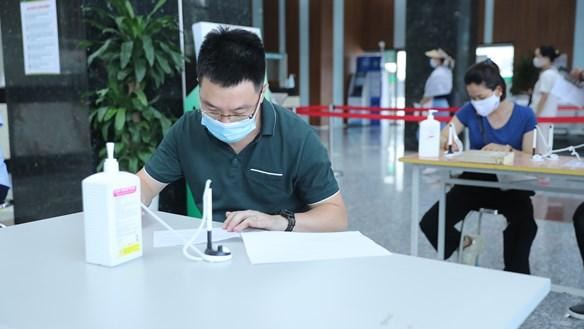Tiêm chủng vaccine phòng Covid-19: Tăng tốc nhưng tuyệt đối đảm bảo an toàn