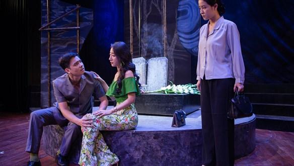 Dàn dựng vở kịch nói 'Làng song sinh'