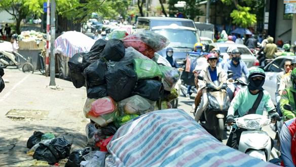 Khẩn trương xử lý vụ bãi rác Nam Sơn