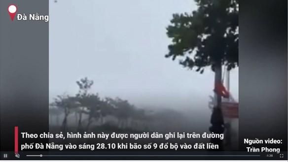 [VIDEO] Bão số 9: Gió giật mạnh khiến mái tôn bay lơ lửng