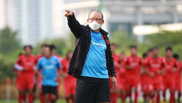 U22 Việt Nam chạy đà cho SEA Games: HLV Park Hang Seo đãi cát tìm vàng