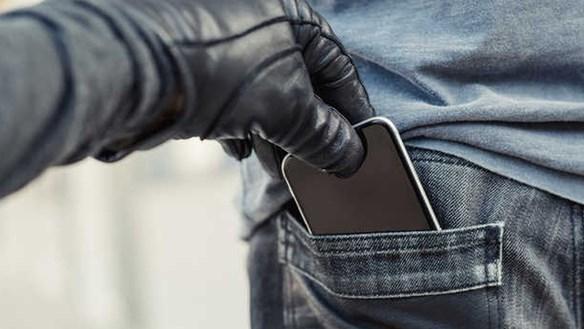 Thủ thuật để smartphone phát báo động khi bị móc túi