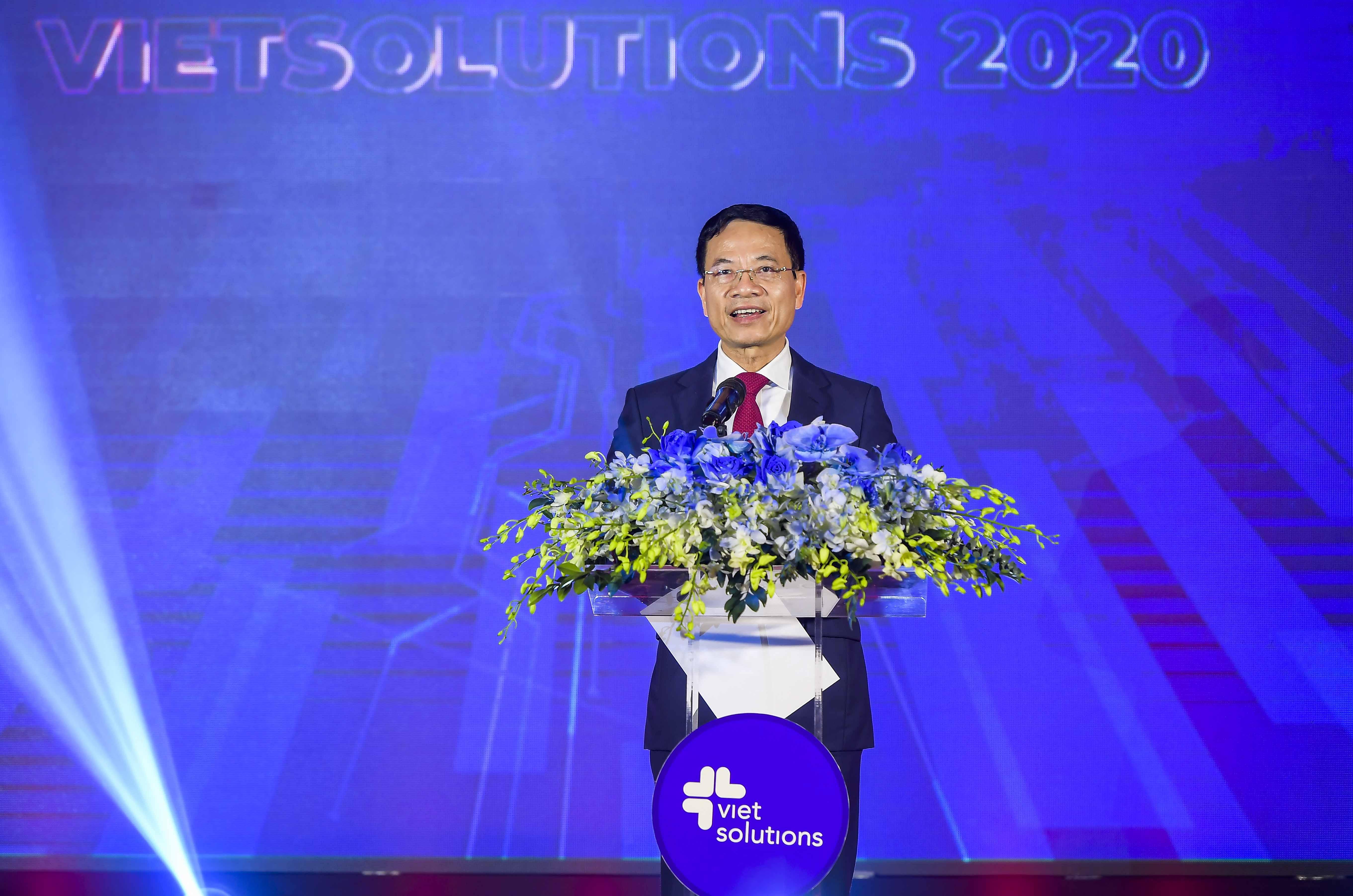Bộ trưởng Bộ TT&TT Nguyễn Mạnh Hùng phát biểu tại Lễ trao giải