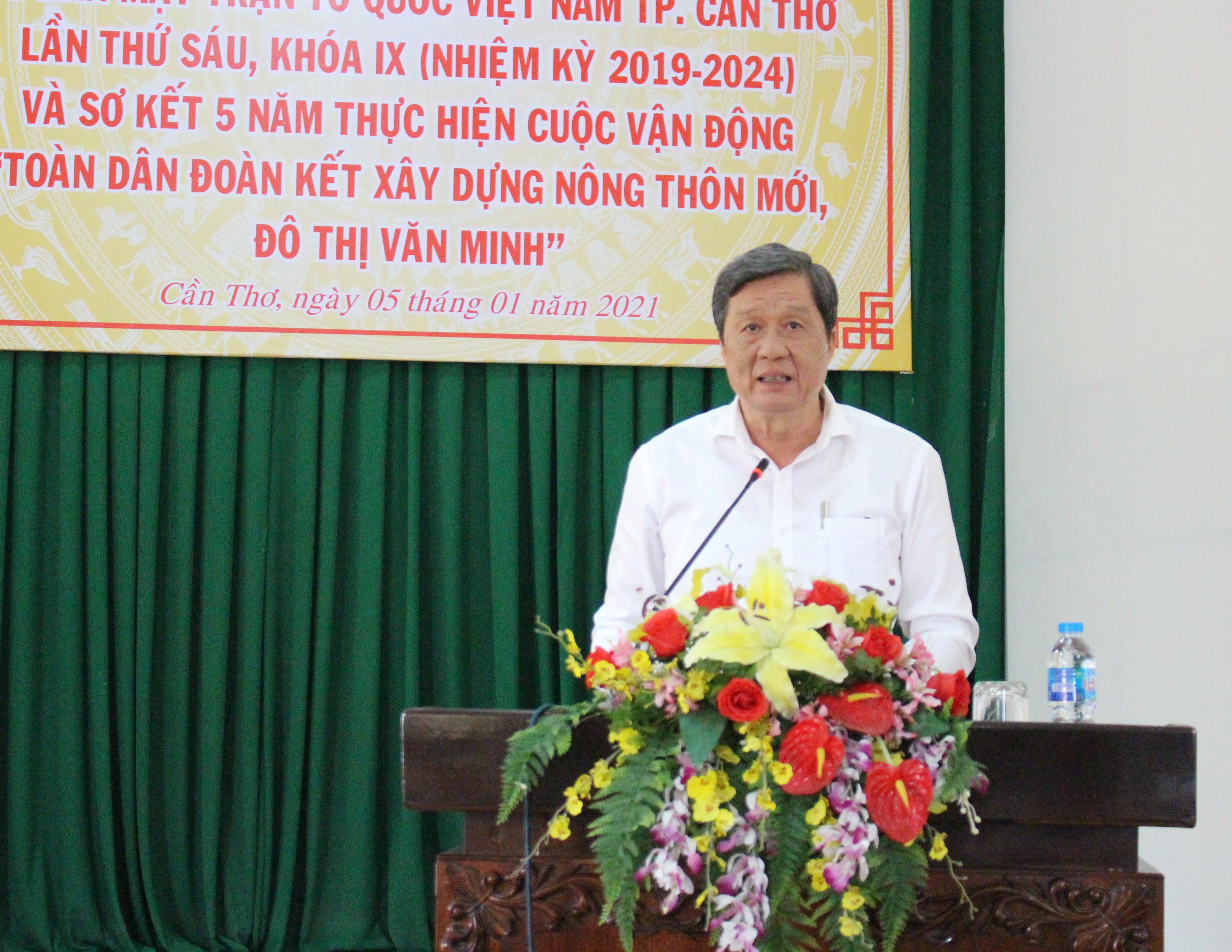 Ông Phạm Văn Hiểu Phó bí thư Thường trực Thành ủy Cần Thơ phát biểu tại Hội nghị.