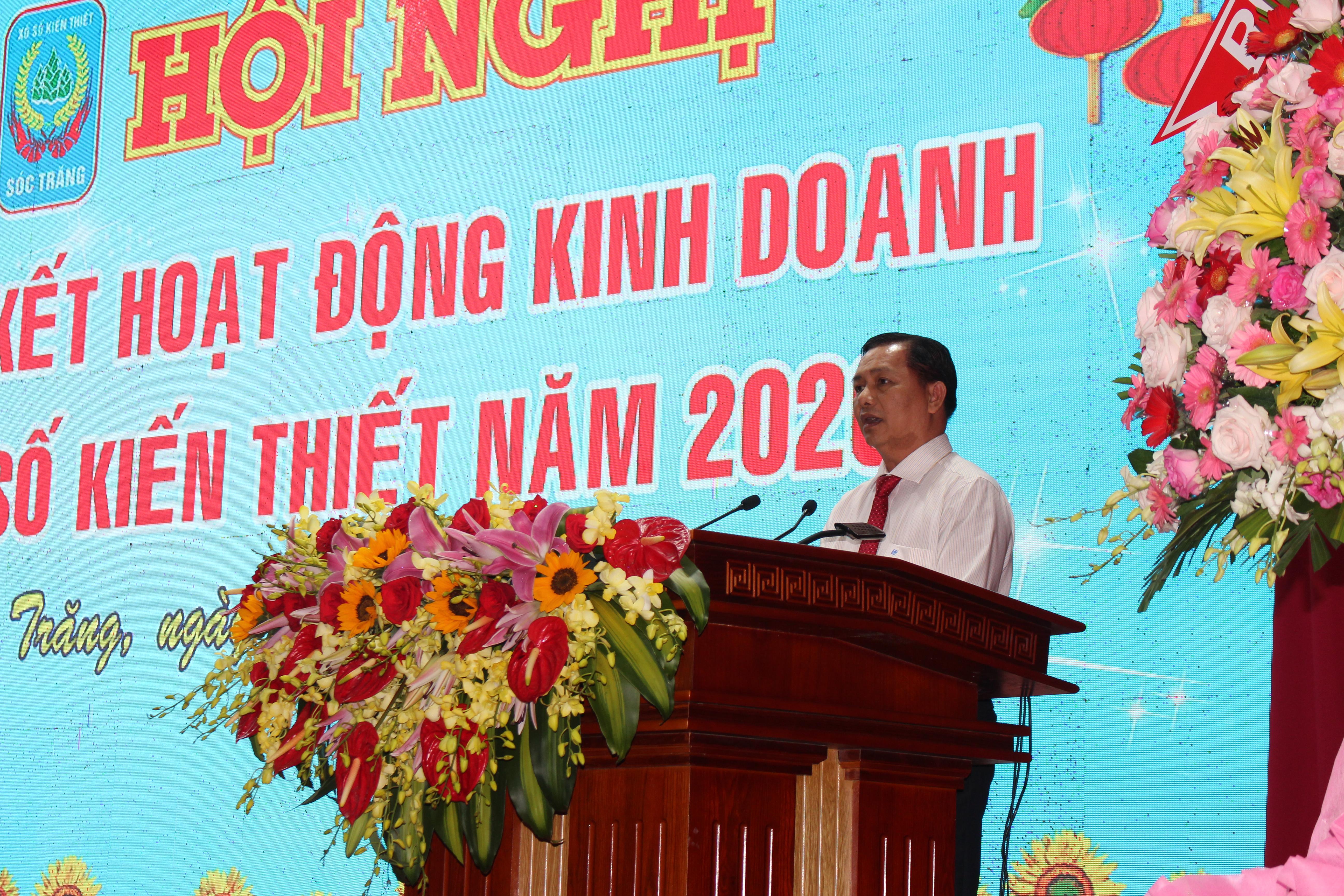 ÔngTrần Văn Lâu, Chủ tịch UBND tỉnh Sóc Trăng phát biểu tại hội nghị.