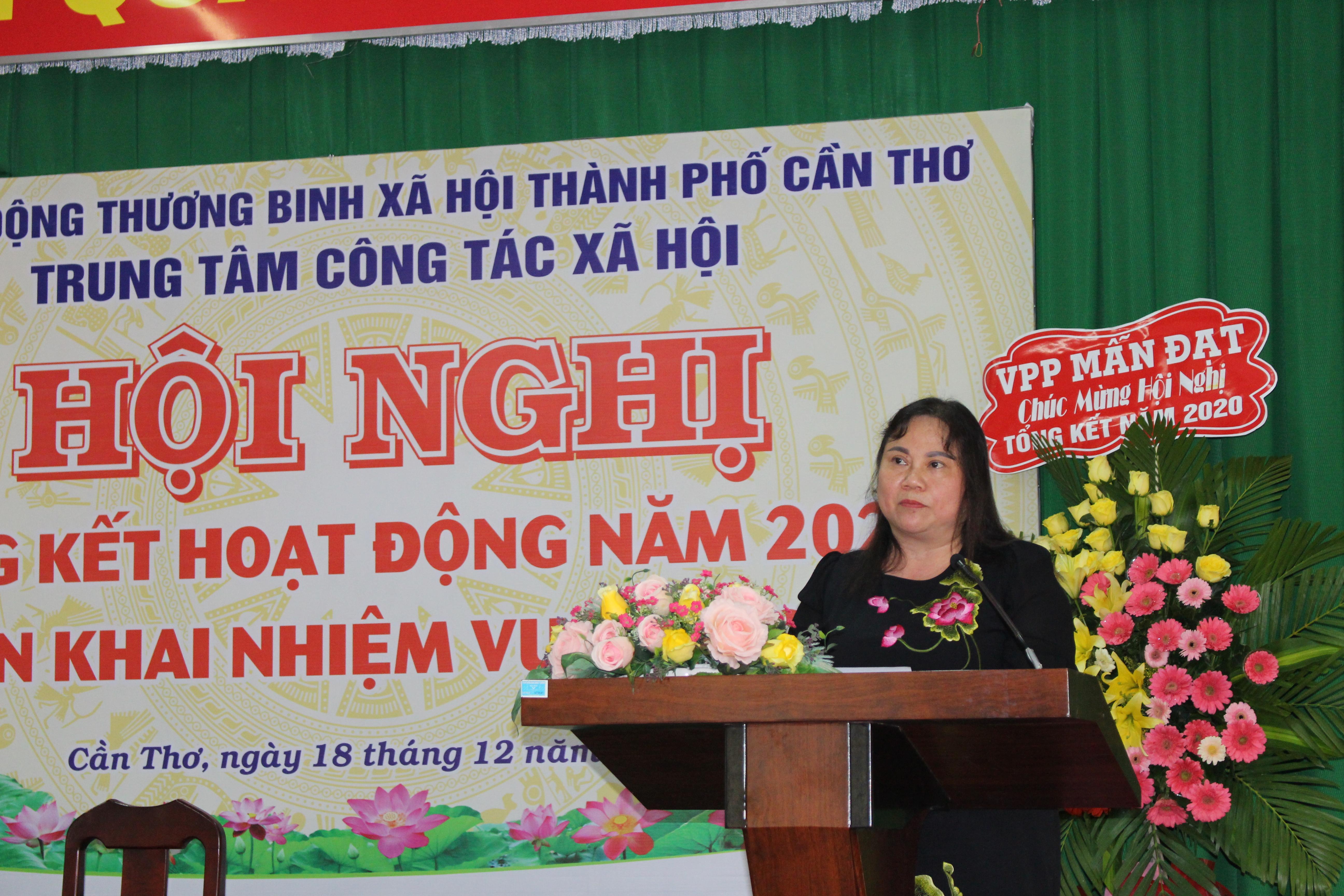 Bà Trần Thị Xuân Mai Giám đốc Sở Lao động - Thương binh & xã hội TP Cần Thơ phát biểu tại hội nghị.