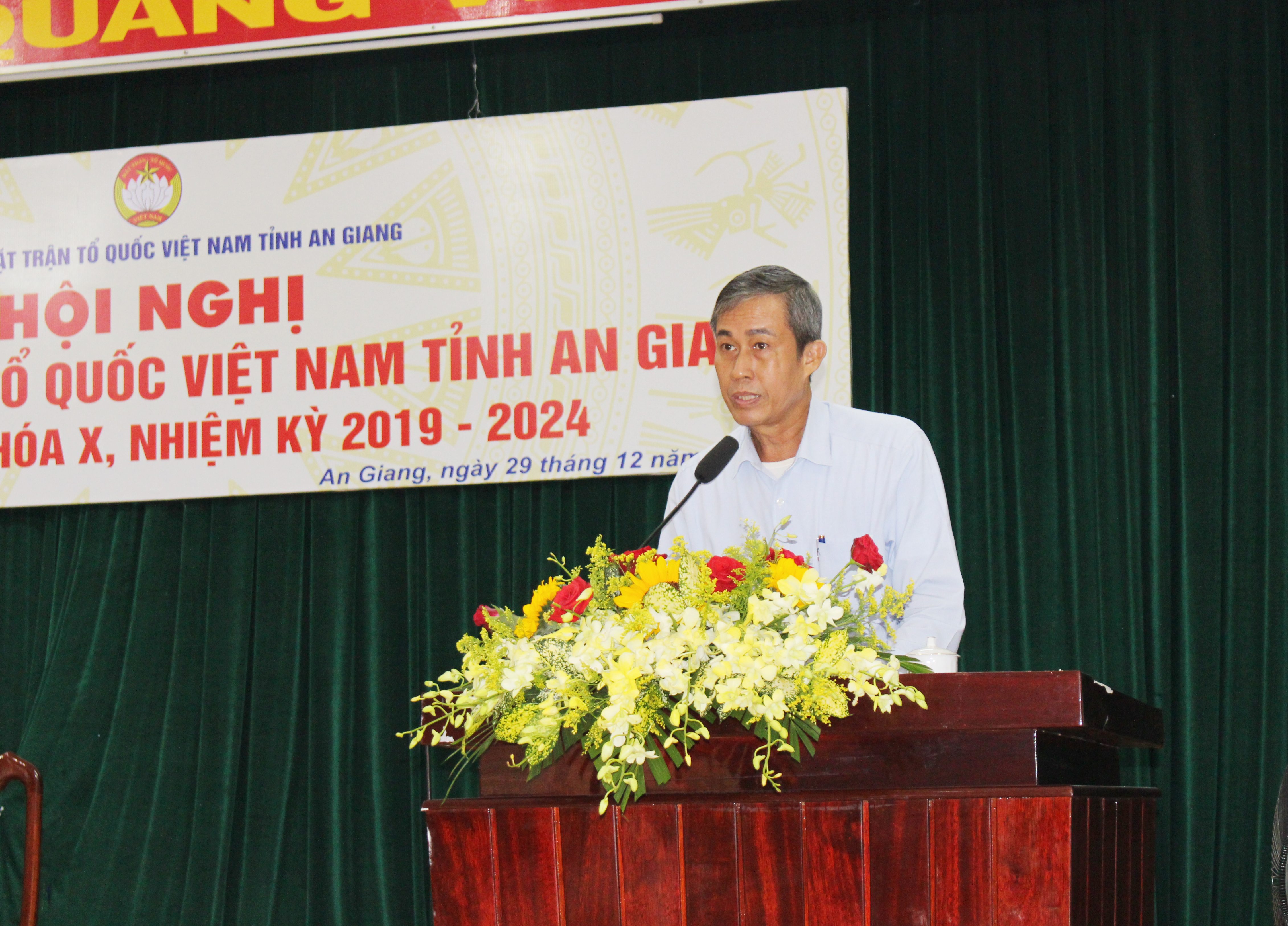Ông Võ Văn Thiện, Trưởng ban công tác phía Nam phát biểu tại Hội nghị.