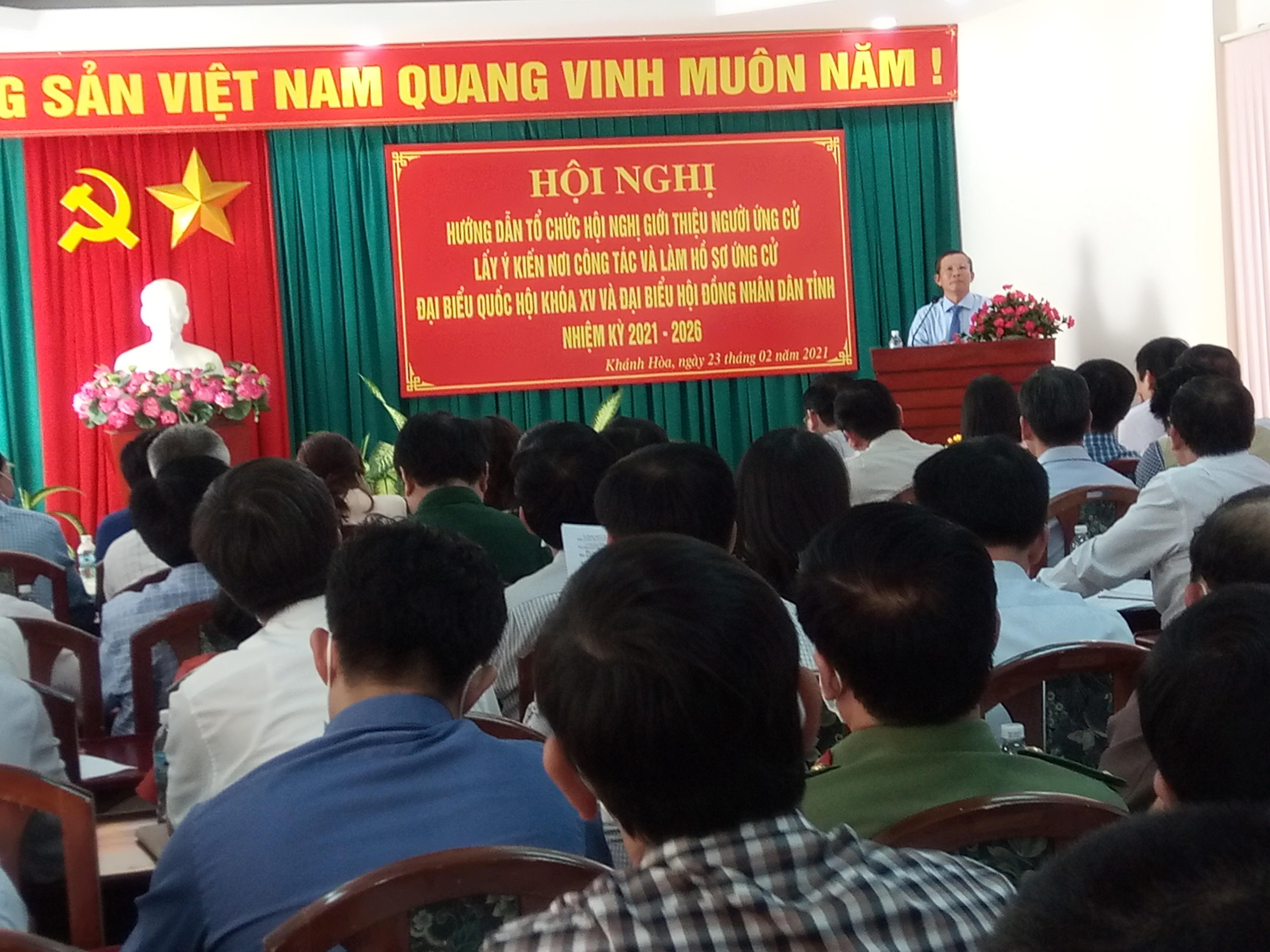 các đại biểu tham dự buổi tập huấn, công tác kiểm tra, giám sát bầu cử đại biểu.