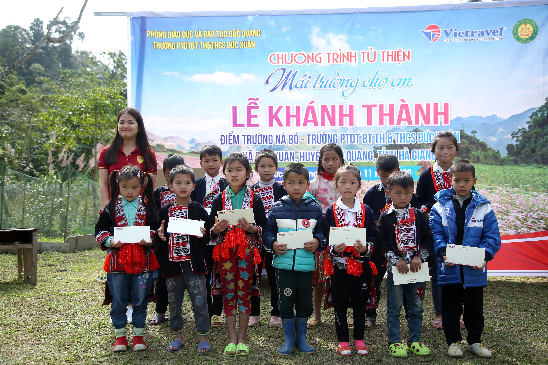 Hà Giang: Trẻ em Nà Bó hạnh phúc trong lễ khánh thành điểm trường mới - Ảnh 2