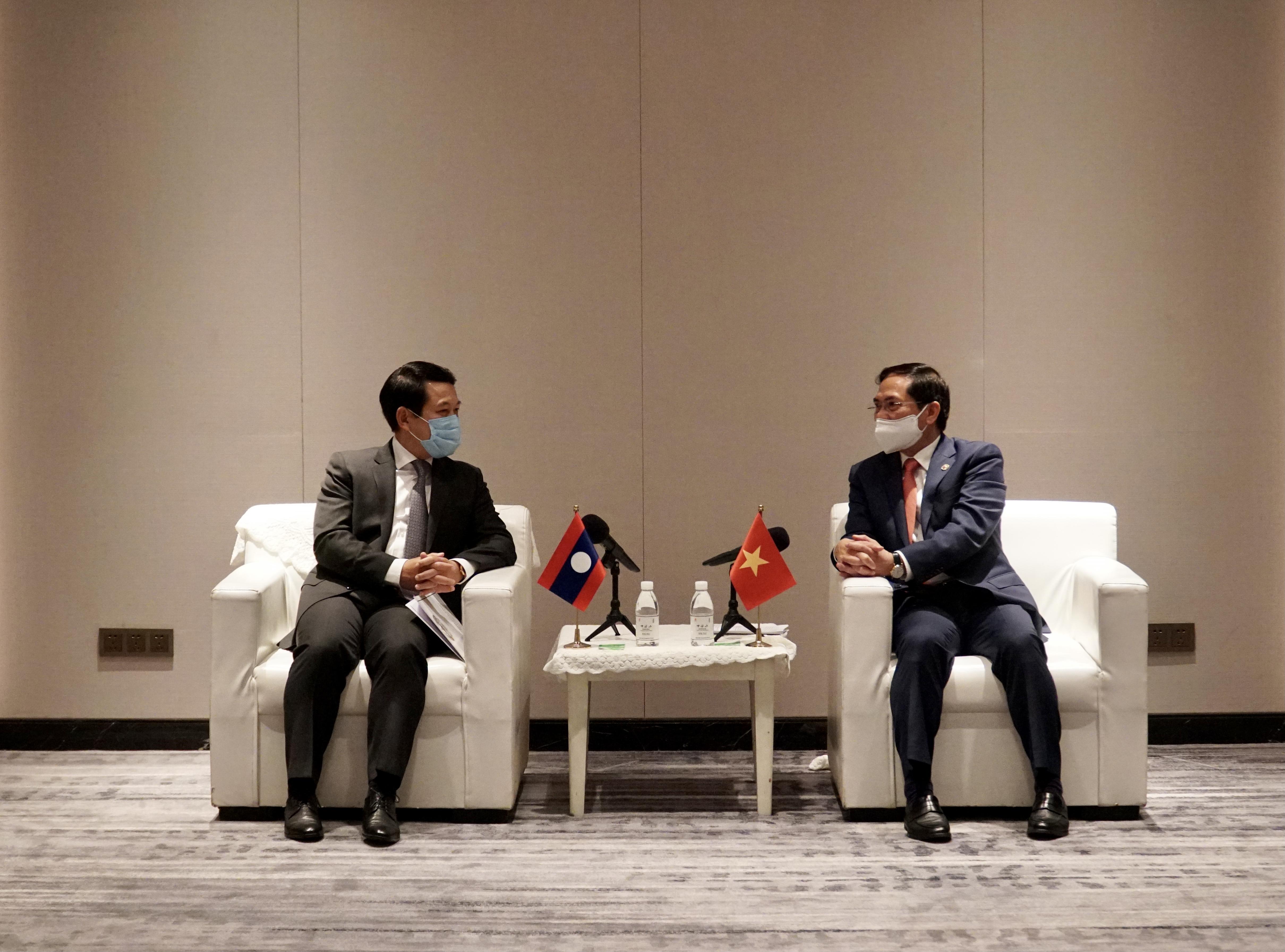 Hai Bộ trưởng trao đổi tăng cường hợp tác song phương