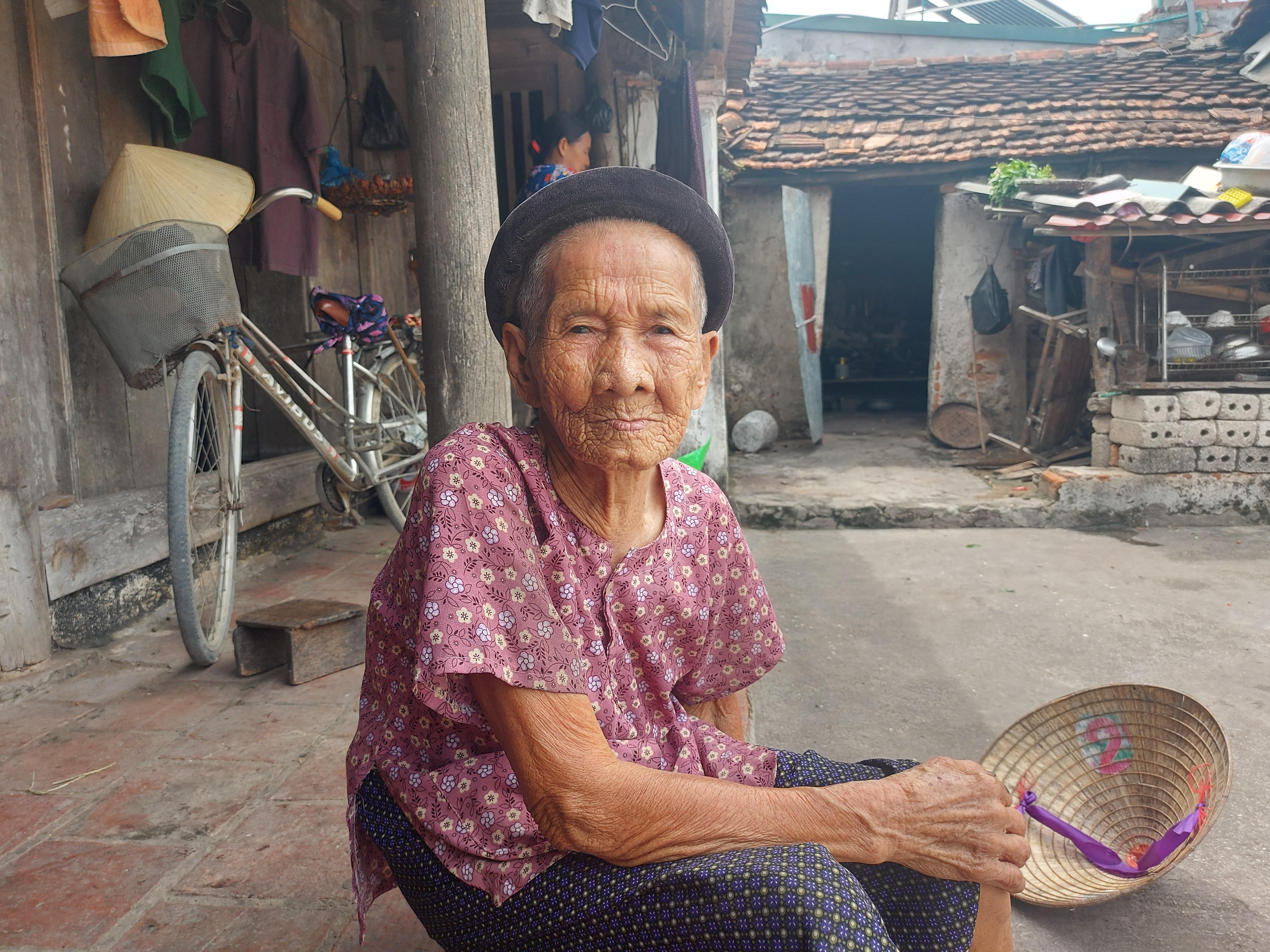 Cụ Nhâm cho rằng những đóng góp của mình là không đáng bao nhiêu so với những khó khăn mà người bà con TP Hồ Chí Minh đang phải chịu.