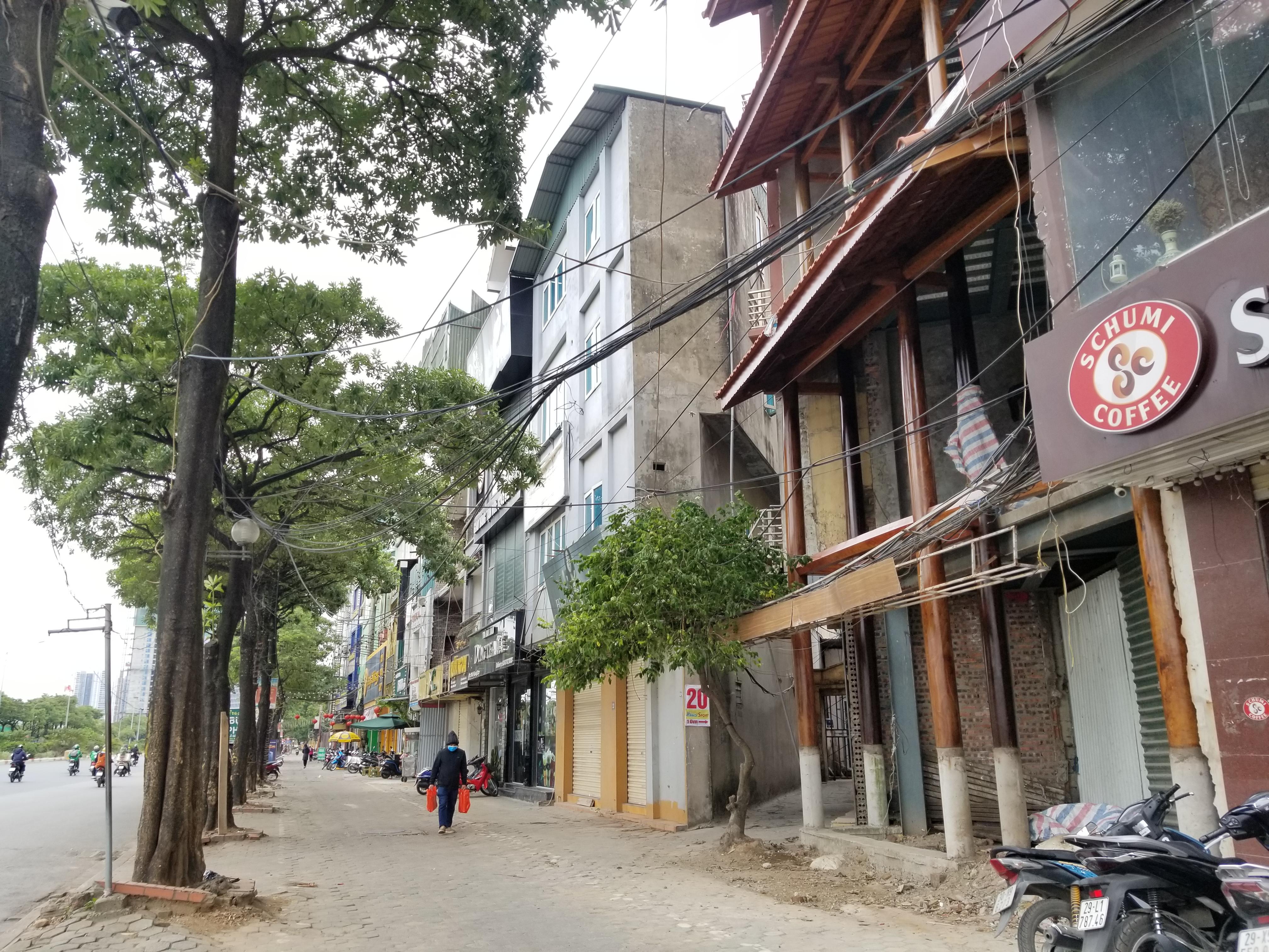 Đường Lê Quang Đạo (Phường Phú Đô) cũng là một trong những điểm nóng xây dựng trái phép trên đất nông nghiệp