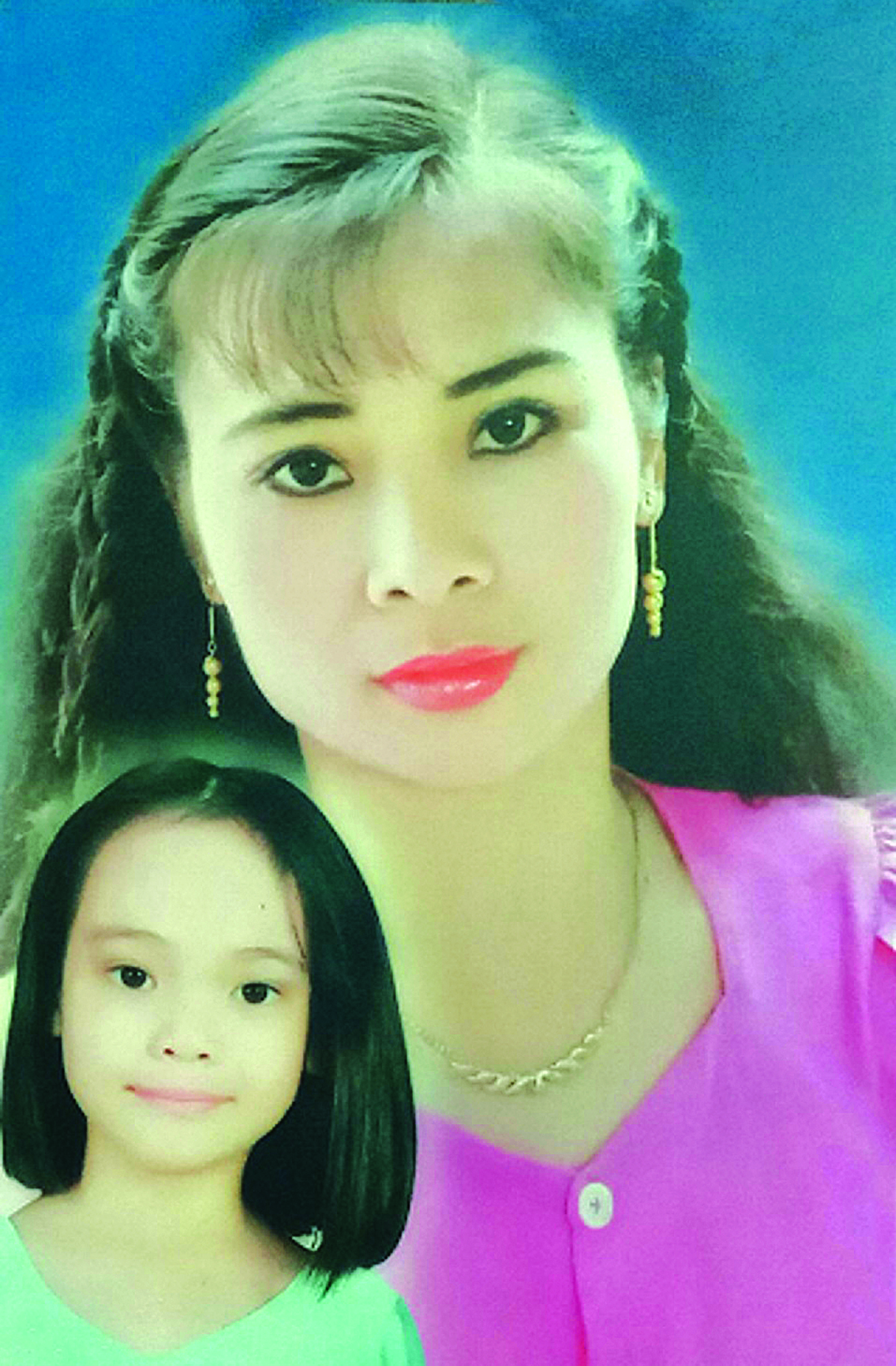 NSND Ngọc Bích và con gái.