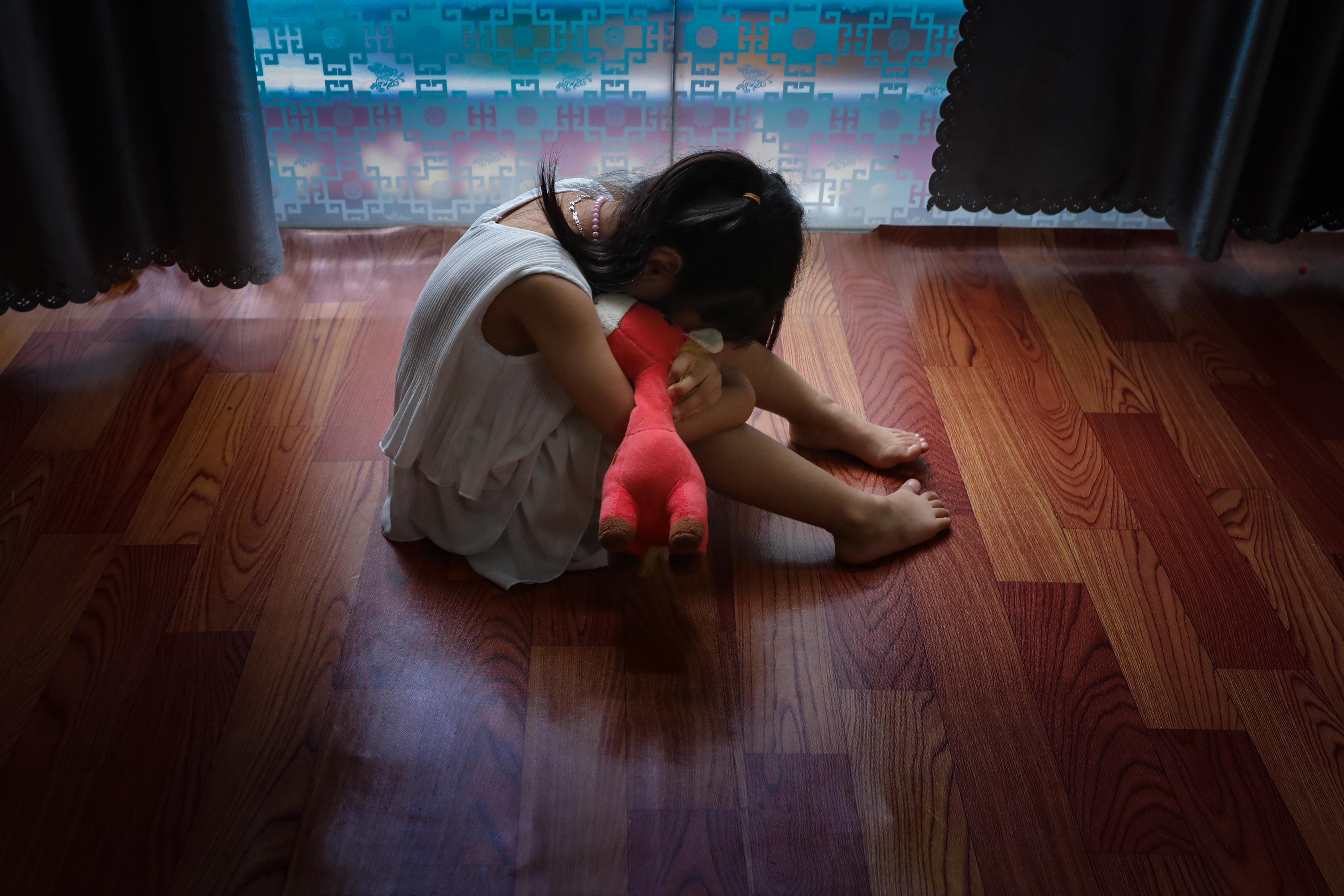 Trẻ em là đối tượng cần phải được bảo vệ, dù trong bất kỳ hoàn cảnh nào. Ảnh: Quang Vinh.