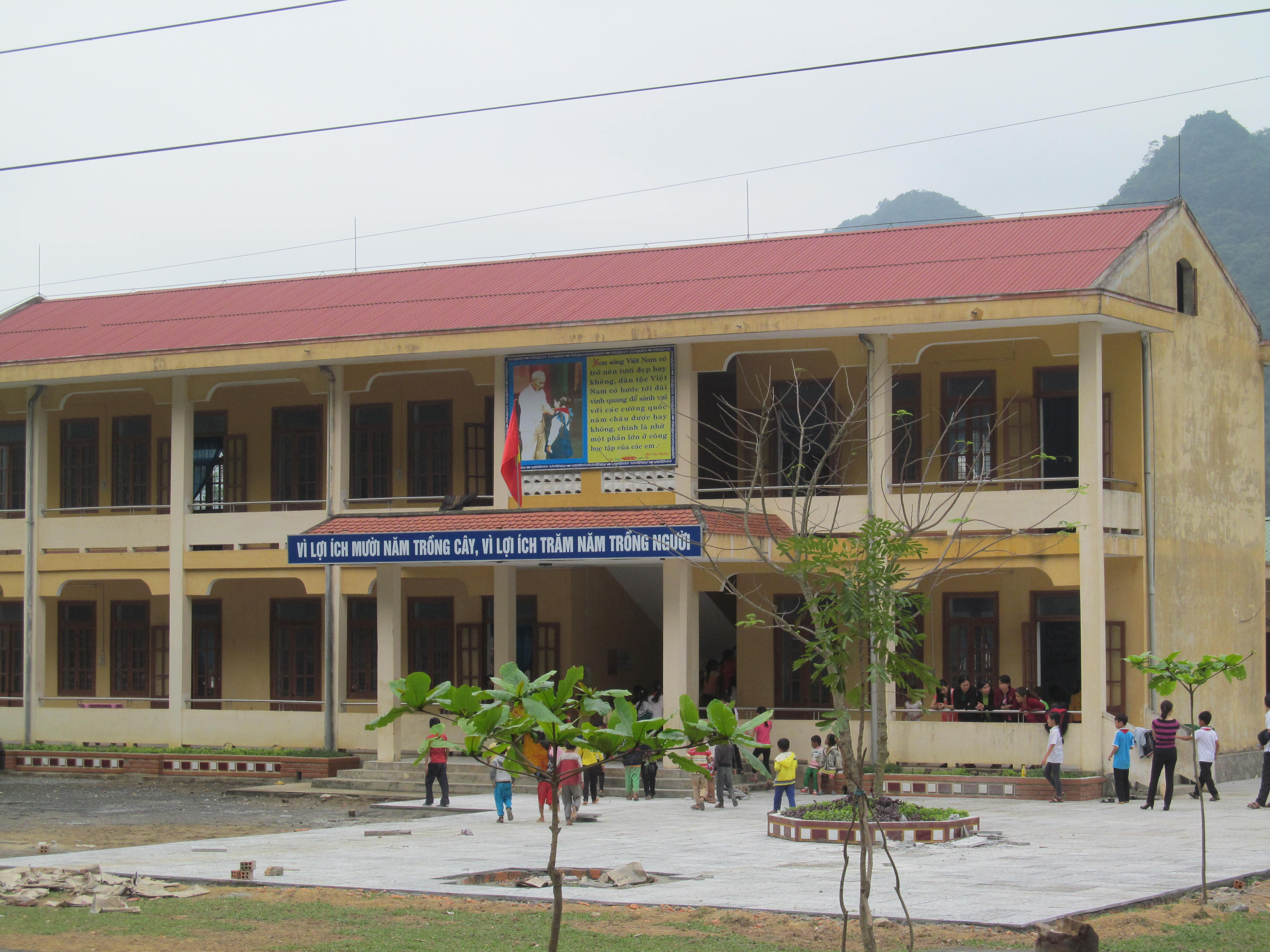 Trường phổ thông dân tộc bán trú tiểu học Trường Xuân – điểm trường Khe Ngang.
