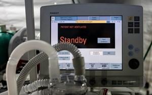 Bi kịch ở London (Anh): Bệnh nhân Covid-19 phải 'cạnh tranh' để có máy thở duy trì sự sống