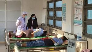 Phú Yên: 82 công nhân nhập viện sau bữa ăn trưa