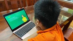 Băn khoăn dạy trực tuyến cho trẻ nhỏ