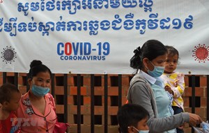 Dịch Covid-19 lây lan nghiêm trọng, Campuchia ra thông điệp khẩn