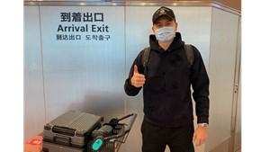 Thủ môn Đặng Văn Lâm 'check in' Nhật Bản, gia nhập CLB Cerezo Osaka