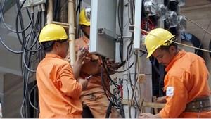 Chớm vào mùa nóng, lượng điện tiêu thụ đã tăng