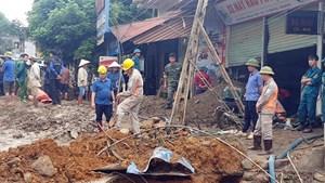 Nỗ lực tìm kiếm nạn nhân mất tích do lũ quét ở Văn Bàn, Lào Cai
