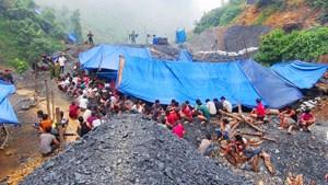 Quảng Nam: Quân đội sẽ đánh sập các hầm lò khai thác vàng trái phép