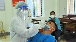 Cách ly y tế, lấy mẫu xét nghiệm cho tất cả hộ dân thành phố Hà Tĩnh