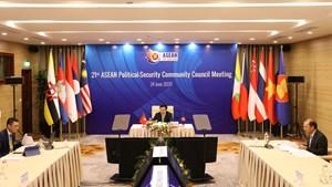 Các bộ trưởng ASEAN nhận định: Căng thẳng gia tăng ở điểm nóng Biển Đông