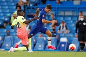 Gục ngã trước Chelsea, Man City dâng ngôi vô địch cho Liverpool