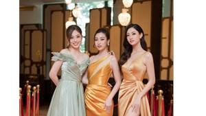Hoa hậu Mỹ Linh - Thùy Linh 'diện cả cây' vàng đi dự sự kiện