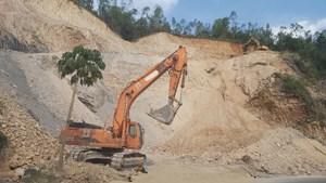 Đà Nẵng: Bắt vụ khai thác đất đồi trái phép