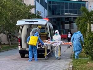 Bệnh viện Trung ương Huế tiếp nhận 2 bệnh nhân Covid-19 từ Đà Nẵng