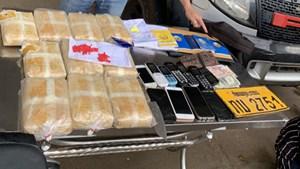 Bắt 5 người Lào vận chuyển 60.000 viên ma túy qua biên giới