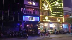 [ẢNH] Quán bar, vũ trường ở TP HCM vắng khách sau mở cửa trở lại