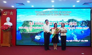 Trao giải Báo chí 'Quảng Ninh: Hành trình đột phá và vươn cao'