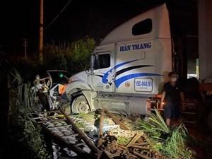 Quảng Ninh: Bắt giam tài xế container tông bẹp rúm xe Hyundai Tucson