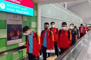Tuyển Việt Nam đặt chân đến UAE, sẵn sàng đối đầu tuyển Trung Quốc