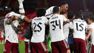 Arsenal đánh bại Liverpool ở loạt sút luân lưu