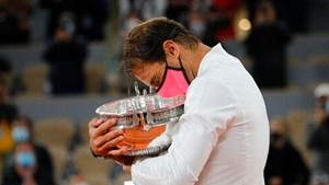 Rafael Nadal lần thứ 13 vô địch Roland Garros