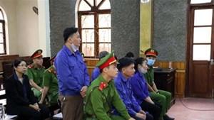 Hoãn phiên phúc thẩm vụ gian lận thi cử tại Sơn La