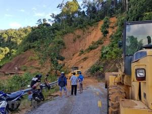 [ẢNH] Tìm thấy 11 thi thể, 42 người còn mất tích trong vụ sạt lở ở Quảng Nam