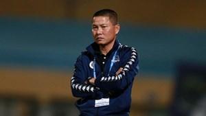 HLV Chu Đình Nghiêm bị kỷ luật 1 trận