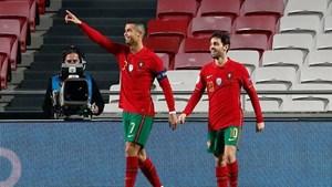Ronaldo ghi bàn thứ 102 cho Bồ Đào Nha