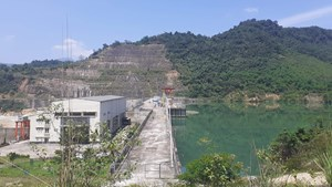 Thủy điện Khe Bố bỏ mặc dân