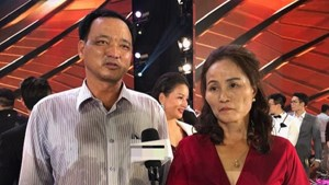 Bố Đỗ Thị Hà: 'Tôi khóc rất nhiều khi con giấu chuyện đi thi Hoa hậu'